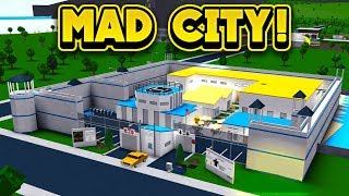 MAD CITY IN BLOXBURG! (ROBLOX Bloxburg)