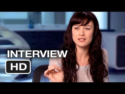 Oblivion - Olga Kurylenko Interview - Julia (2013) - Tom Cruise Sci-Fi Movie HD