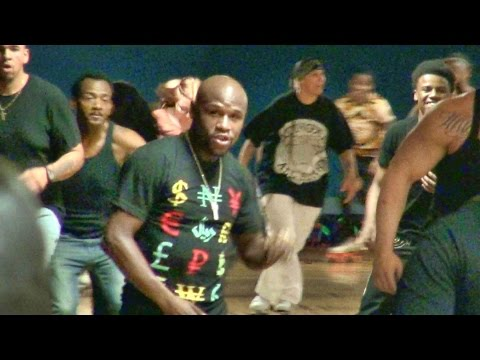 Floyd Mayweather Jr. and TMT having some roller skating fun