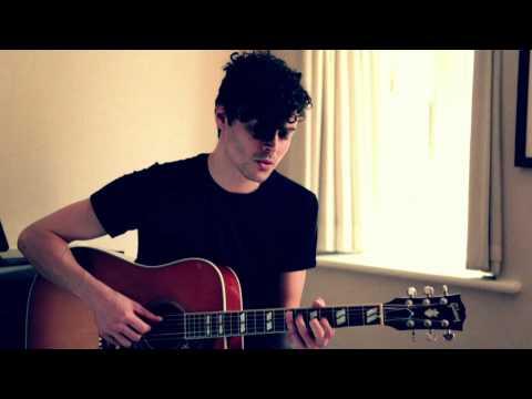 Alex Vargas - Howl