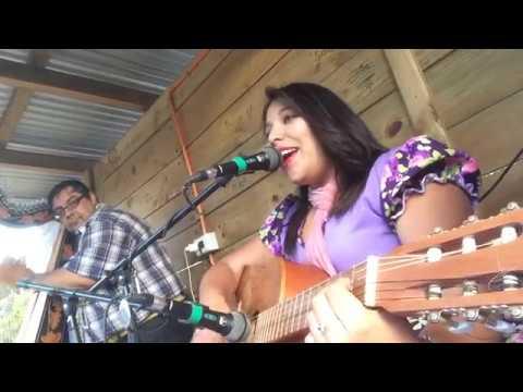 Rocio Nuñez- Cantemos querido Amigo y esa chiquilla que baila