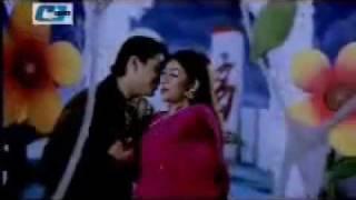 Bangla Movie Song - Ekta Chor Eshechilo Kal Raathe.flv
