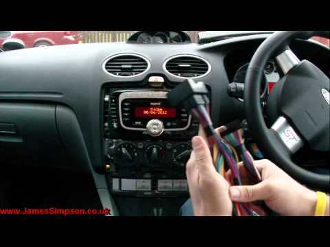 Ford Focus MK2.5 (2008-2011) Stereo Removal