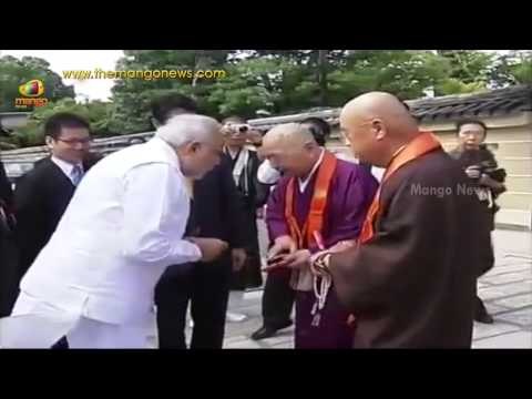 India PM Modi visits Toji temple with Japan PM Shinzo Abe