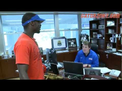 Frankie Hammond - Football Facility Tour