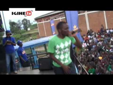 Tom Close performing in Guma Guma Super Star at Rusizi.