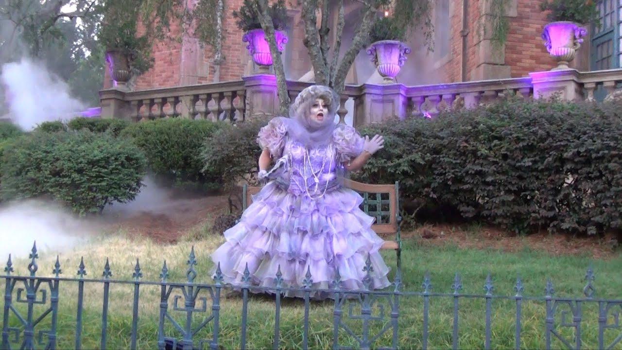 madame carlotta at mickeys notsoscary halloween party