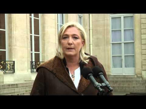 Marine Le Pen parle après sa rencontre avec François Hollande
