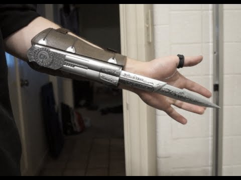NECA Assassin's Creed Brotherhood Hidden Blade Wrist Activated Mod