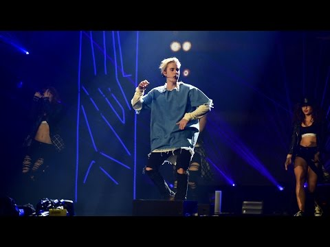 Justin Bieber - What Do You Mean? (radio 1& 39;s Teen Awards 2015)