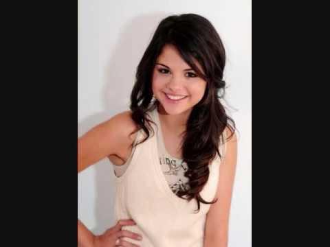 Selena Gomez !!!!!!!!  A siete metros (Ricardo Arjona)