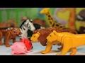 PATRULLA CANINA salva a PEPPA PIG de los LEONES ZOO PAW PATROL toys PUPS español PATRULLA CACHORROS
