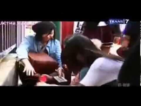 Nabilah Dan Melody JKT48 Kejedot Kayu Kocak Abiss