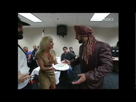 WWE SmackDown 11/23/00 - Happy Thanksgiving.  Superstars plus food equals trouble