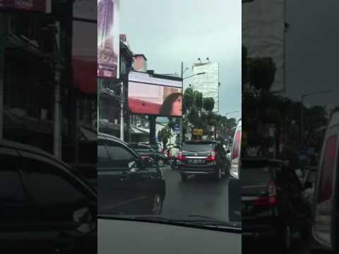 video mesum di papan iklan dekat  kantor walikota jakarta selatan