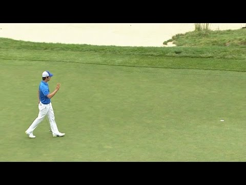 Seung-Yul Noh sinks a 20-foot birdie putt at Deutsche Bank