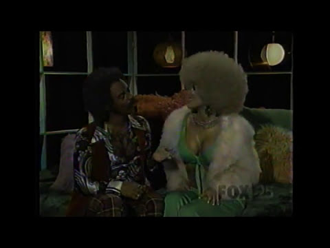 Mad TV - Funky Walker Dirty Talker (w Carmen Electra)