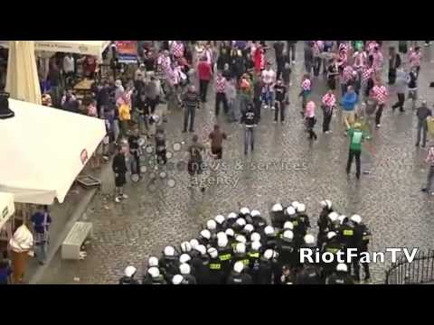 (HQ) Croatia Hooligans fight with the Police EURO 2012 Polen/Ukraine