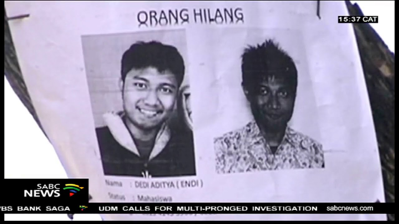 Victims of the Indonesia disaster buried