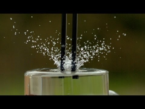 Tuning Fork at 1600fps - The Slow Mo Guys