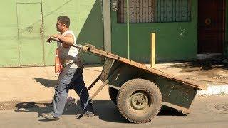 Walking in Managua (Nicaragua )