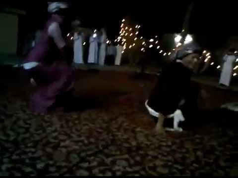 Arab Women in Hijab Twerking Her Bum Like a Pro