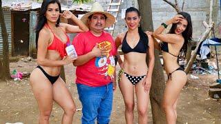 Agapito Diaz y las clientas en bikini - JR INN