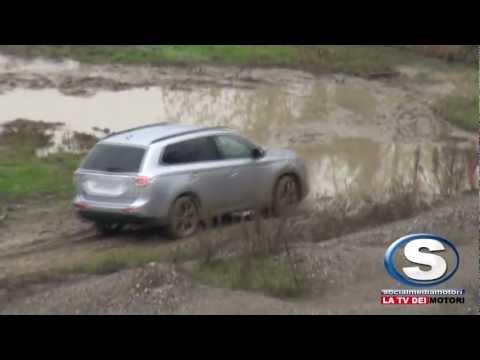 Nuovo Mitsubishi Outlander: test off road nel circuito di Vairano!