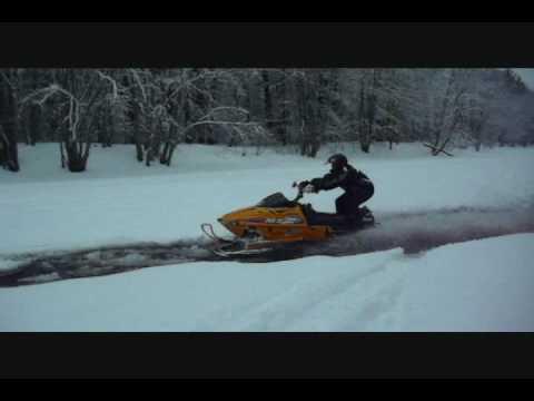 98 Arctic Cat 440 Sno Pro. Riders/Rdes: Ben/ 98 mxz 500