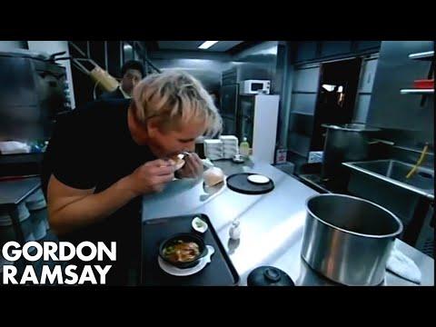 gordon eats shark fin soup in taipei gordon ramsay ibowbow. Black Bedroom Furniture Sets. Home Design Ideas