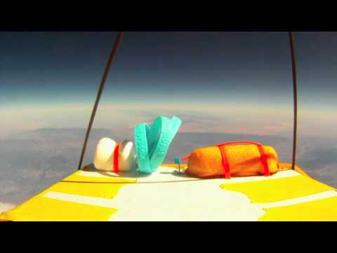 Kid eats space Twinkie - High altitude balloon project