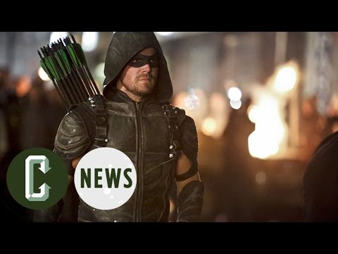Stephen Amell Reveals First Arrow Season 5 Image
