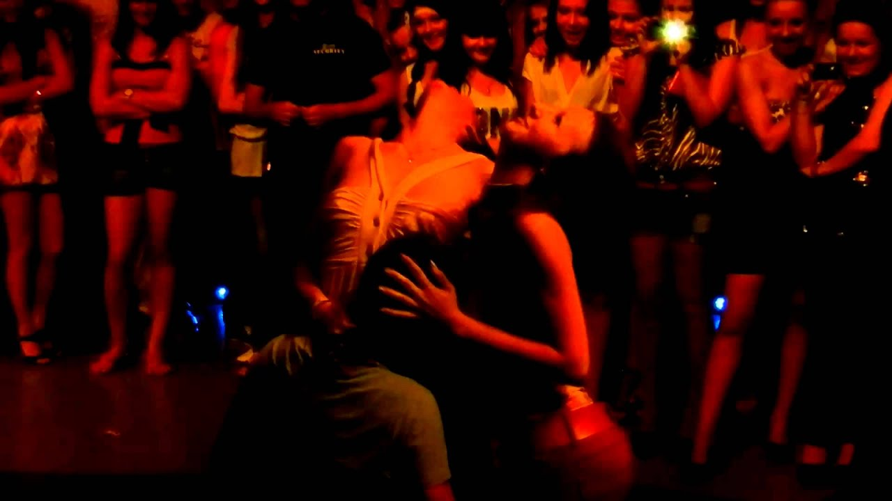 Развратный конкурс в ночном клубе в крыму 10 фотография