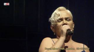 Sezen Aksu live - Unuttun Mu Beni (HD), The Royal Albert Hall, London - 20-10-2011