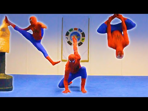 Taekwondo Spiderman | Flips & Kicks Image 1