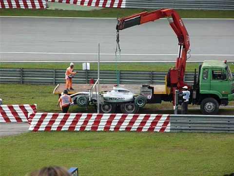 Schumi Malaysia, Sepang 2010 - sein Auto wird abgeholt