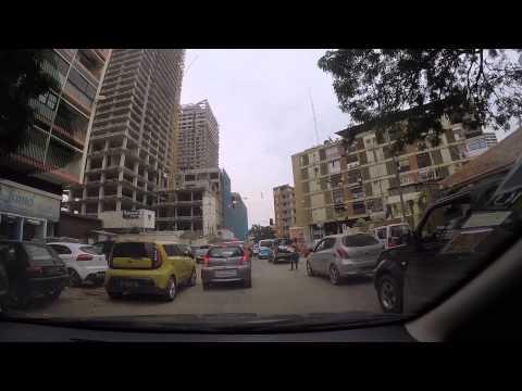 No trânsito da cidade de Luanda