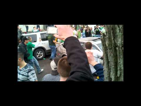 2011 SUNY Albany Riot and students destroy Maxima