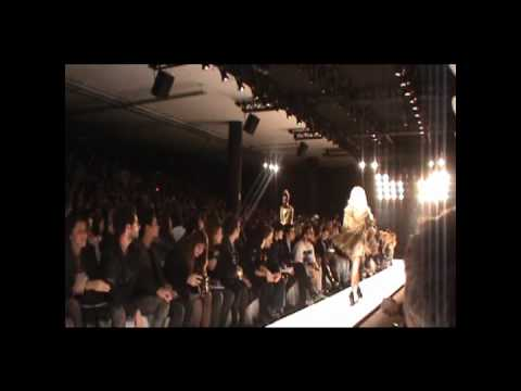Paris Hilton for Triton SPFW Primavera Verão 2011.wmv