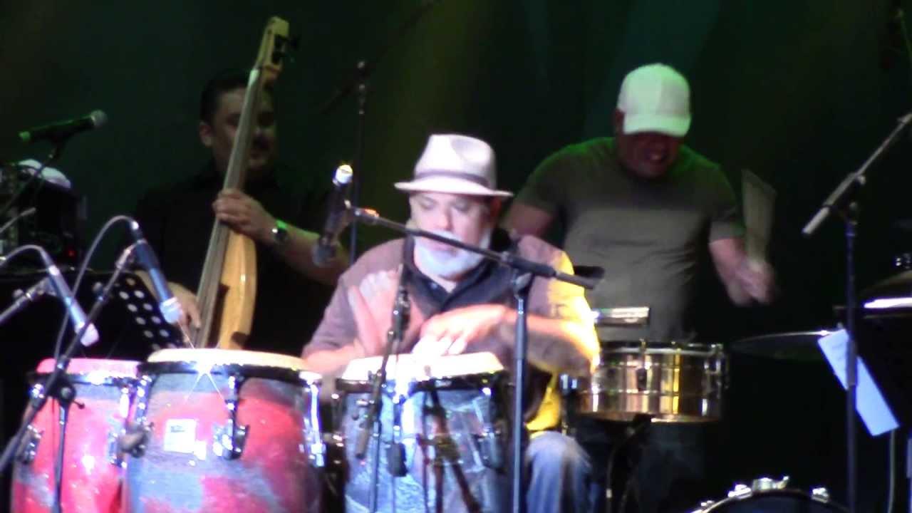 Poncho Sanchez - A Night With Poncho Sanchez Live Bailar