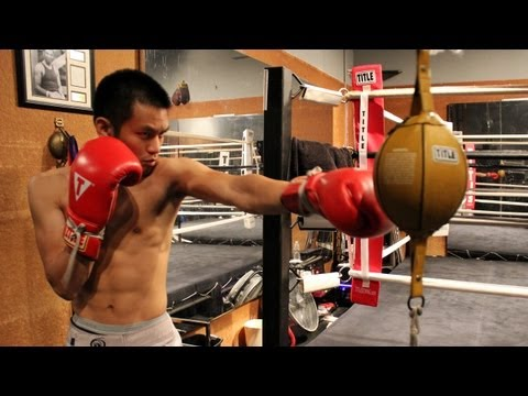 How to Hit a Double End Bag Image 1