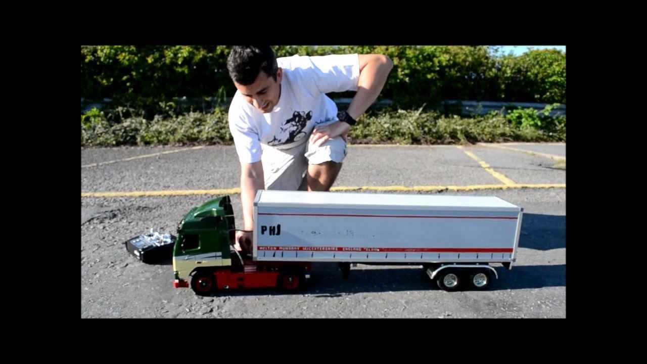 Tamiya Volvo FH12 Globetrotter Tractor Truck, Model 56312, with MFU & Box Semi-Trailer - YouTube