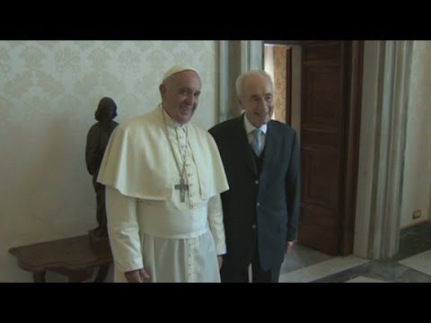 Pope Francis meets with Shimon Peres
