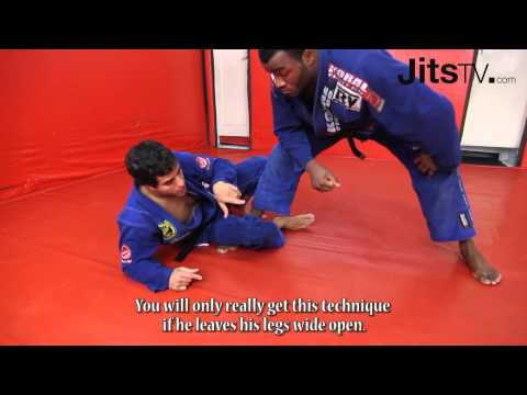 Ricardo Vieira - Half Spider-Guard Sweeps - PART 2 - Jits Magazine Image 1