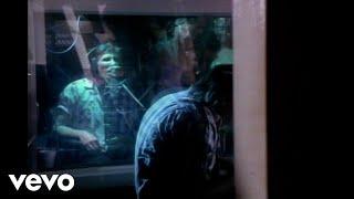 Watch Roger Waters Radio Waves video