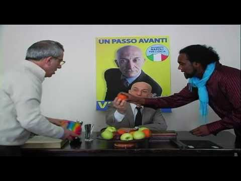 Video rubato Vincenzo Cacace di Napoli – politico scemo divertente da morire di risate
