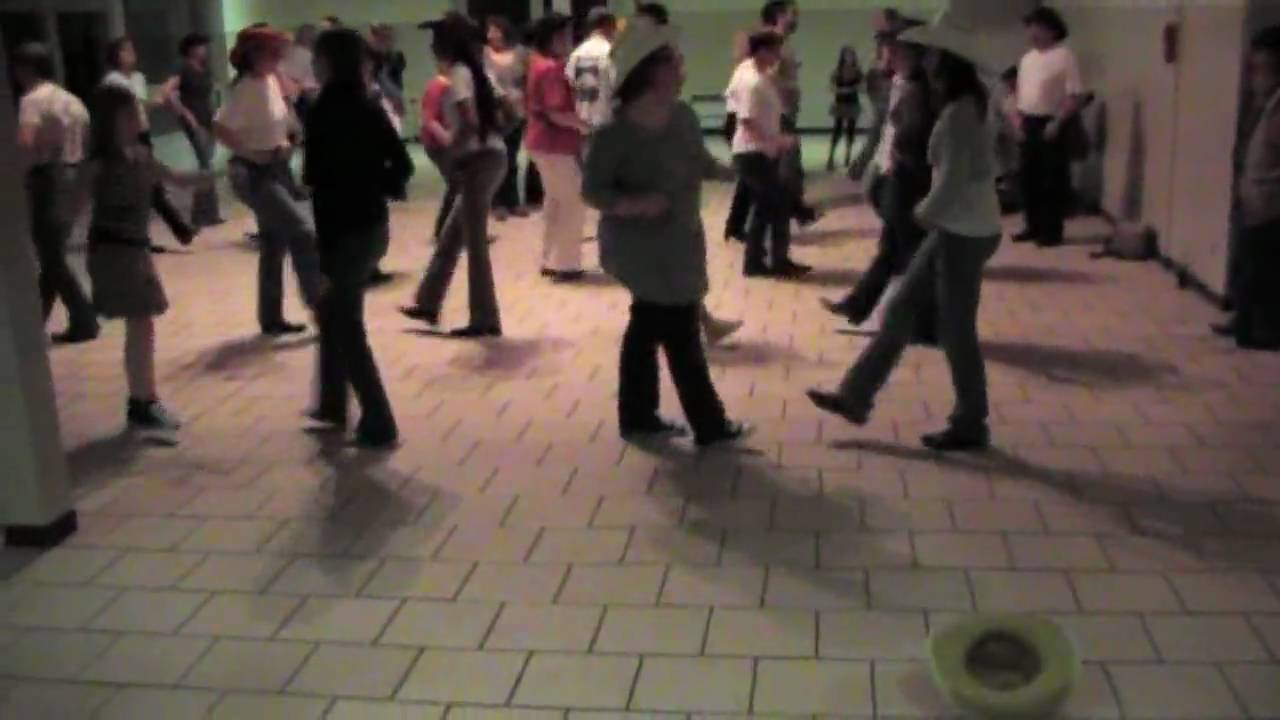 danse country sur pick a ball youtube. Black Bedroom Furniture Sets. Home Design Ideas