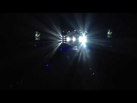Atif aslam Yakeen live at bollywood showstopper o2 arena London...