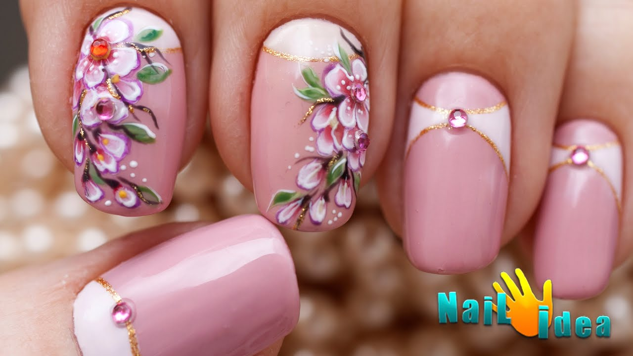 Дизайн сакура на ногтях