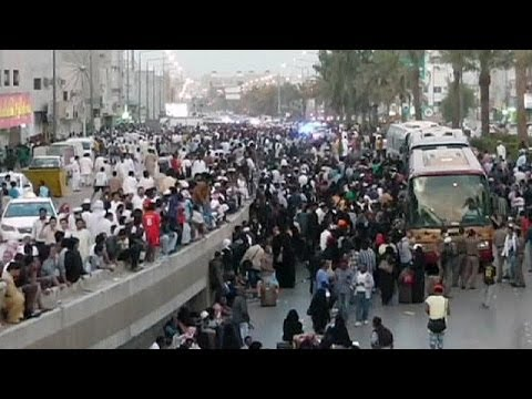 Migrant workers go home after clashes with Saudi police